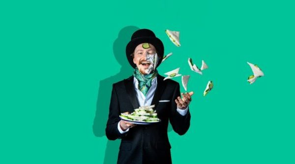 Slapstic 642x335 1 600x335 - 15th August - The Importance of Being Earnest by Slapstick Picnic